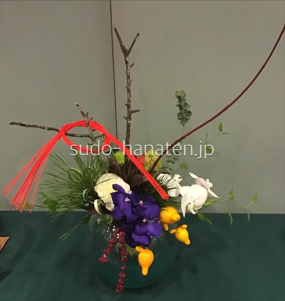 花瓶に活けた花束
